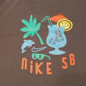 Nike SB Dri-Fit T-Shirt • Gold Swoosh Mens XL